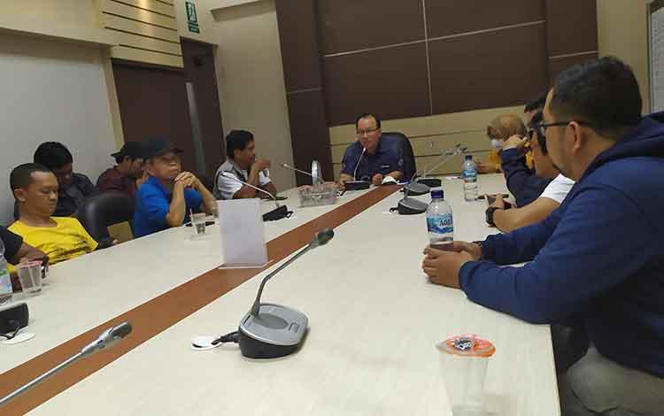 Ketua Tim Advisor BI Kalteng, Setian saat menyampaikan bahwa permintaan alat kesehatan meningkat sejak bencana kabut asap