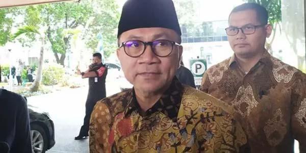 Ketua Umum Partai Amanat Nasional (PAN), Zulkifli Hasan usai menjenguk Menko Polhukam, Wiranto, Sabtu (12/10/2019). Ia menyebut, kondisi Wiranto mulai pulih pasca insiden penusukan.