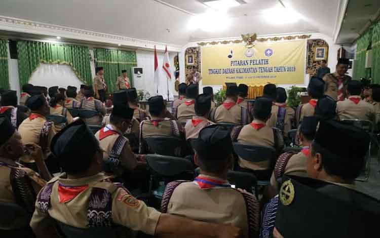 Kegiatan Pitaran Pelatih Pramuka Kalteng di Pulang Pisau. Dengan dilaksanakan kegiatan tersebut diharapkan pembina pramuka Kalteng dapat update informasi.