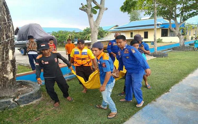 PT DLU Cabang Sampit tidak menerima laporan terkait dengan adanya penumpang yang terjatuh atau melompat dari kapal, Minggu 13 Oktober 2019