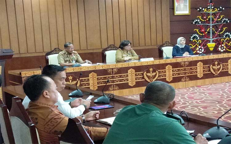 Jajaran Pemprov Kalteng kembali membahas kelanjutan dari rencana penelitian akar Bajakah, Senin 14 Oktober 2019