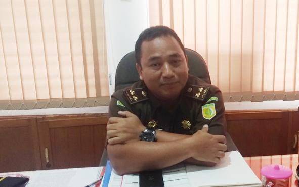 Kepala Penyidikan Kejati Kalteng Rahmad Isnaini masih merahasikan identitas tersangka dalam kasus dugaan korupsi uang penyertaan modal pada Perusahaan Daerah Air Minum (PDAM) Kapuas.