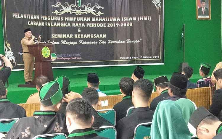 Gubernur Kalteng Sugianto Sabran menghadiri pelantikan pengurus Himpunan Mahasiswa Islam atau HMI Cabang Palangka Raya periode 2019-2020 di Aula Universitas Muhammadiyah, Selasa, 15 Oktober 2019.