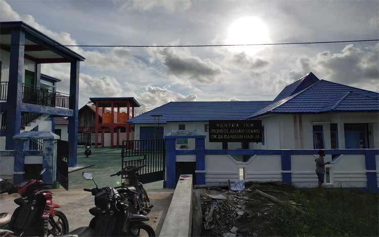 Bangunan sentra IKM pengolahan pisang dan produk pertanian lainnya di Desa Bangun Harja