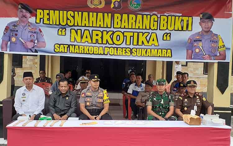 Bupati Sukamara, Windu Subagio mengatakan mendukung atas upaya Polres Sukamara dalam mengungkap jaringan peredaran narkotika