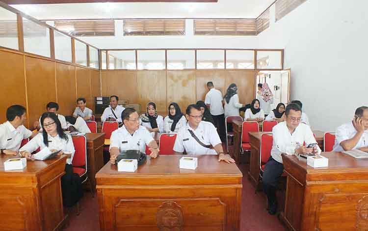 Pemerintah Kabupaten Barito Utara melakukan kunjungan kerja studi tiru ke Kabupaten Bantul, Daerah Istimewa Yogyakarta dalam rangka peningkatan kinerja pegawai negeri sipil (PNS), Rabu 16 Oktober 2019.