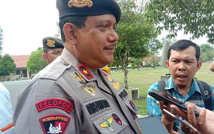 Wakapolda Kalteng Brigjen Pol Rikhwanto, Kamis 17 Oktober 2019, menyampaikan bahwa menjelang pelantikan presiden dan wakil presiden, situasi keamanan di Kalimantan Tengah dipastikan kondusif.