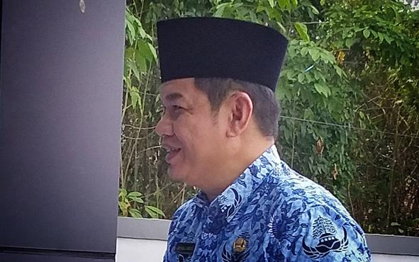 Bupati Barito Timur Ampera AY Mebas menanggapi kerusuhan yang terjadi di Kabupaten Panajam Paser Utara, Kalimantan Timur pada Rabu, 16 Oktober 2019.