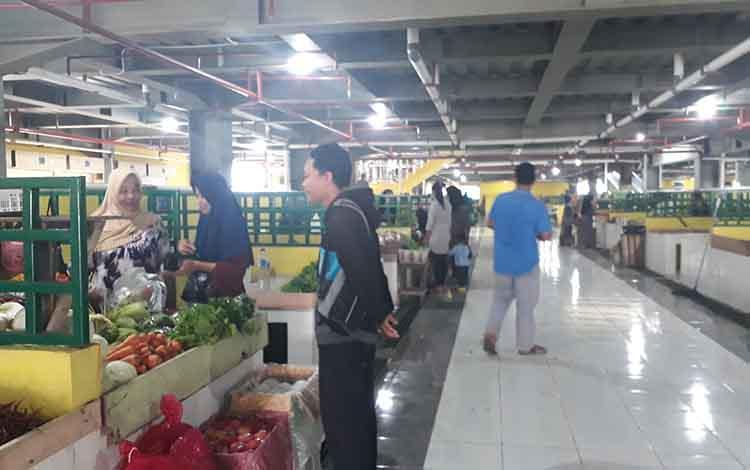 Pembangunan Pasar Indra Sari Blok A dan Blok B sudah rampung. Para pedagang sayur dan ikan (saik) juga sudah mulai membuka lapak mereka, Kamis, 17 Oktober 2019.