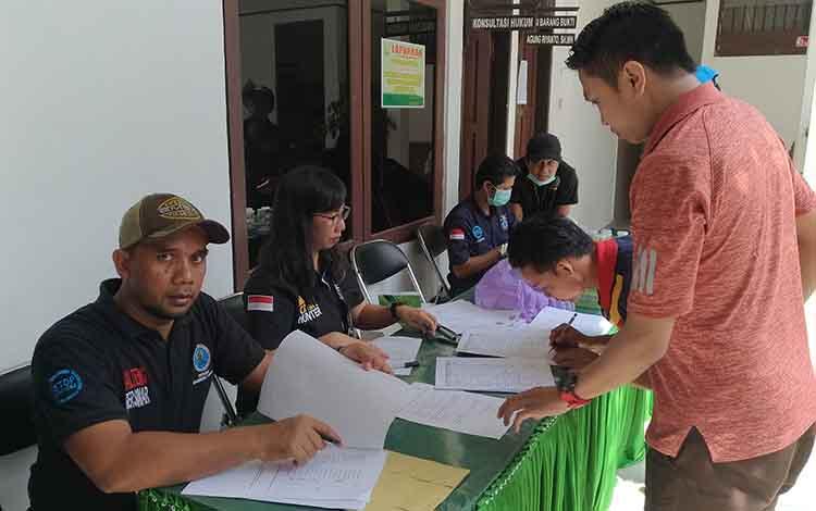 Kegiatan tes urine yang dilaksanan di Kejaksaan Negeri Palangka Raya bersama BNNP Kalteng, Jumat, 18 Oktober 2019.