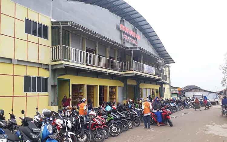 Konsep bangunan Pasar Indra Sari Blok A dan Blok B, Pangkalan Bun akan terintegrasi dengan ruang terbuka hijau.