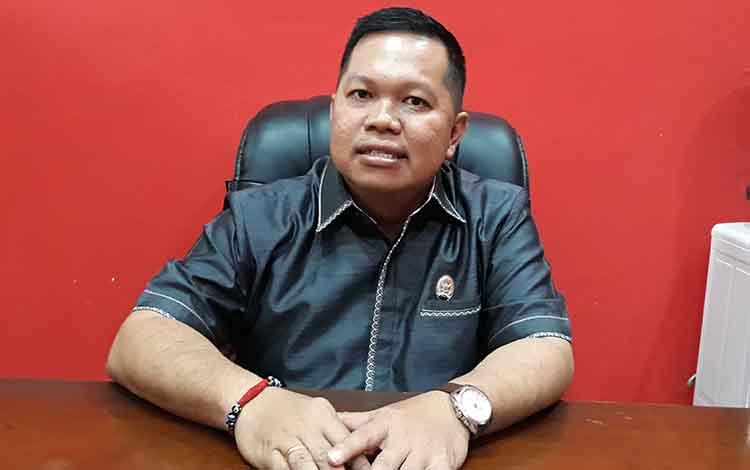 Wakil Ketua I DPRD Kapuas Yohanes mengatakan sejumlah desa di wilayah Mantangai masih kekurangan bidan