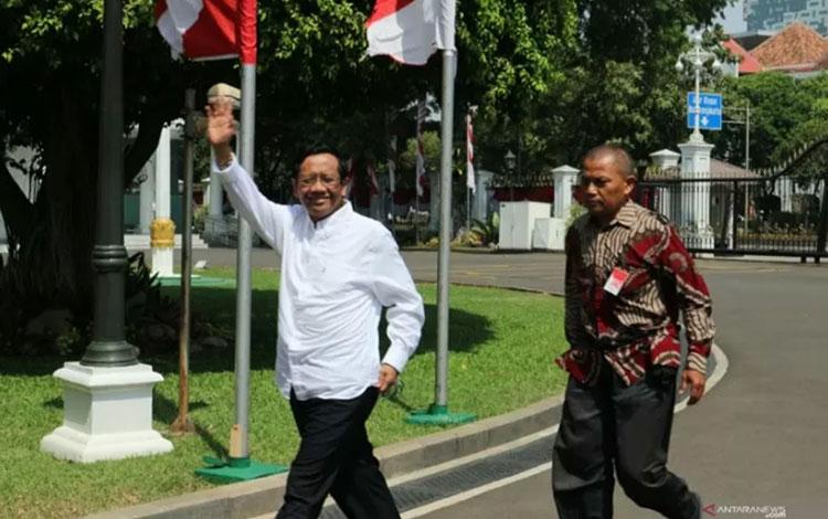 Mahfud MD mendatangi istana kepresidenan Jakarta pada Senin (21/10) (Desca Lidya Natalia)