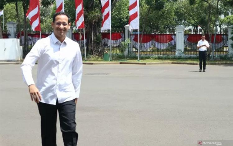 Pendiri Go Jek, Nadiem Makarim, saat datang ke Istana Kepresidenan, Jakarta, Senin (21/10). ANTARA/Desha Natalia