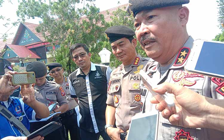 Kapolda Kalteng Irjen Pol Ilham Salahudin saat meminta masyarakat untuk tidak mudah terprovokasiberita Hoax tentang perkelahian Sampit, Selasa 22 Oktober 2019.