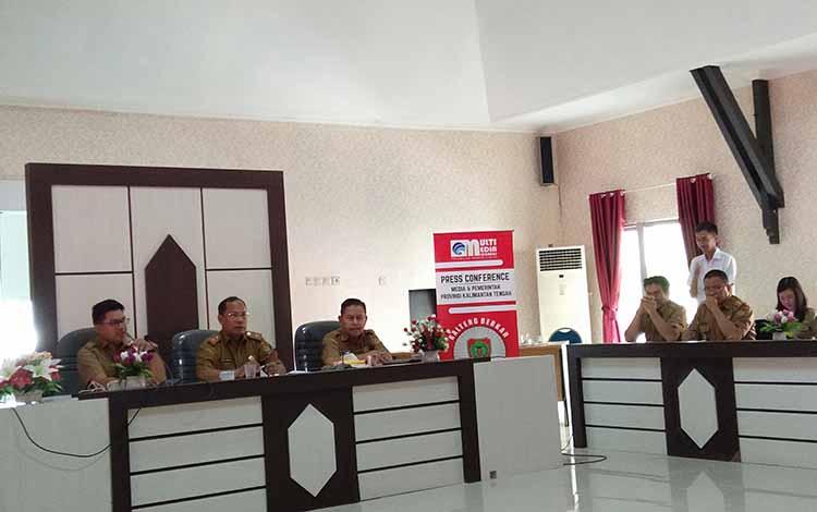 Plt Kepala Dinas Pendidikan Kalteng Suyuti Syamsul menyampaikan kepada awak media soal pembangunan sarpras SMK di era Gubernur Kalteng Sugianto Sabran, Selasa, 22 Oktober 2019.