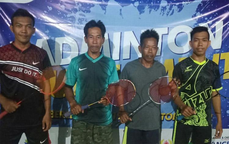 Jemaat GKE mengadakan turnamen bulu tangkis di Desa Bereng Jun, Kecamatan Manuhing, Kabupaten Gunung Mas