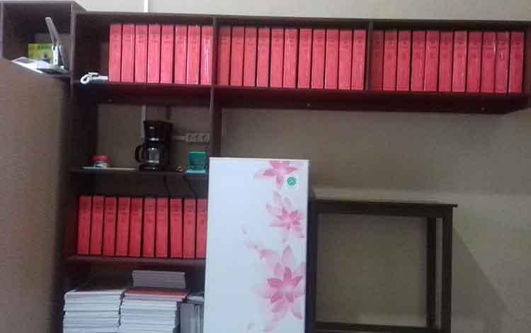 Suasana ruang pelimpahan berkas tahap II di Kejaksaan Negeri Kotawaringin Timur.