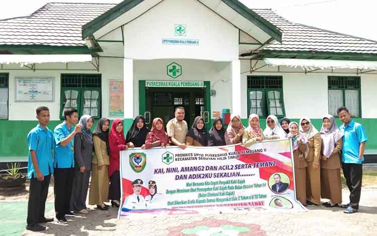 PetugatUPTD Puskesmas Kuala Pembuang II sosialisasi pencegahan kaki gajah ke sekolah dan rumah warga