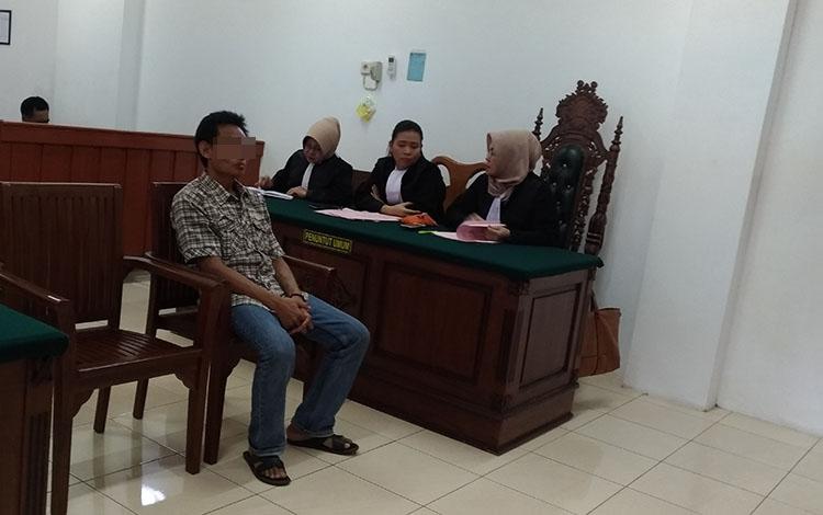 BR, terdakwa pembakar lahan menjalani sidang tuntutan di Pengadilan Negeri Palangka Raya