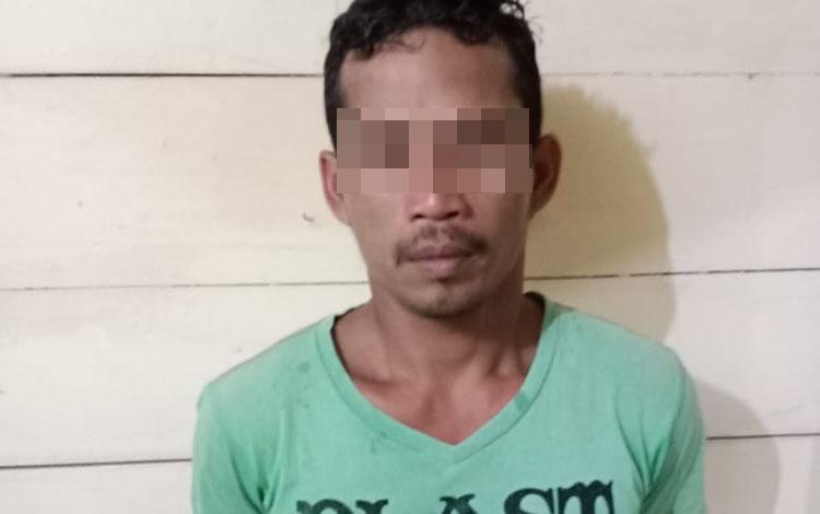 Pria 41 tahun di Desa Tumbang Sangai diringkus polisi karena miliki sabu, Rabu, 30 Oktober 2019.