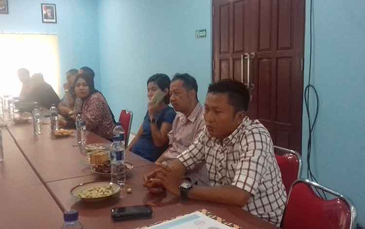 Kunjungan kerja Komisi IV DPRD Kotim ke salah satu perusahaan sawit terkait tersus dan TUKS.