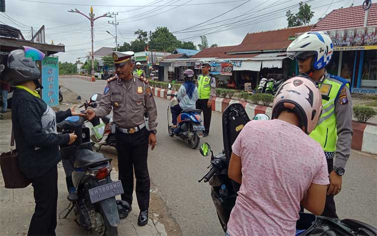 Operasi Zebra Telabang yang dilaksanakan Satlantas Polres Murung Raya berhasil menindak 141 pelanggar, Jumat 1 November 2019