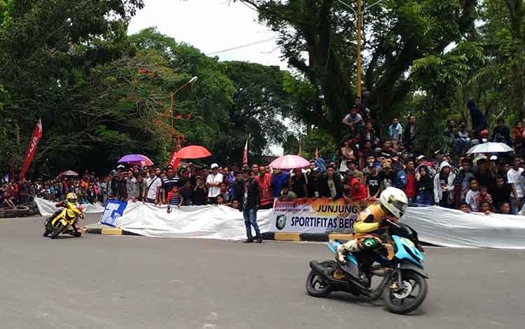 Sejumlah pembalap wanita akan tampil pada Bupati Kotim Open Race Moto Prix 2019 di Taman Kota Sampit.