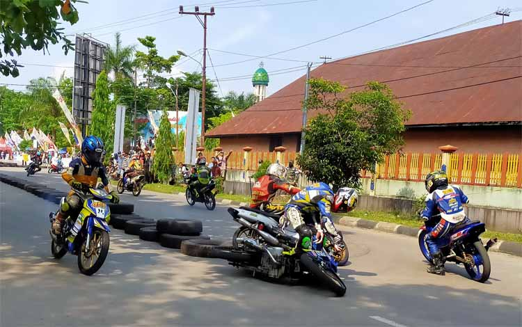 Sebanyak 371 starter meriahkan Bupati Kotim Open Race Motor Prix 2019 di Taman Kota Sampit, Sabtu 2 November 2019