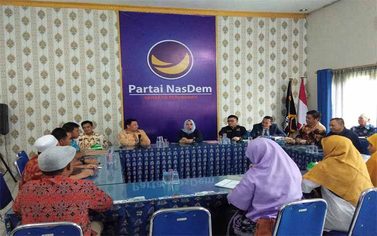 Partai NasDem bersama PKS Kalteng menggelar silaturahmi di markas DPW Partai NasDem di Jalan Adonis Samad, Kota Palangka Raya, Sabtu 2 November 2019