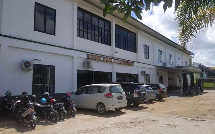 Salah satu Bangunan RSUD Kuala Pembuang.