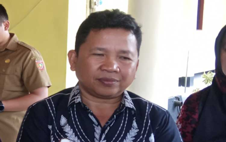 Kepala Dinas Pertanian Bangka Belitung, Juadi memimpin rombongan dalam rangka belajar program integrasi sawit sapi di Kobar, Senin 4 November 2019