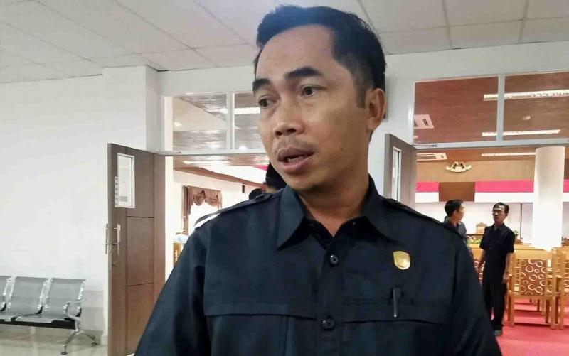 Anggota DPRD Pulang Pisau, Tandean Indra Bela, Selasa, 5 November 2019 menilai penyebaran guru di daerah ini belum merata.