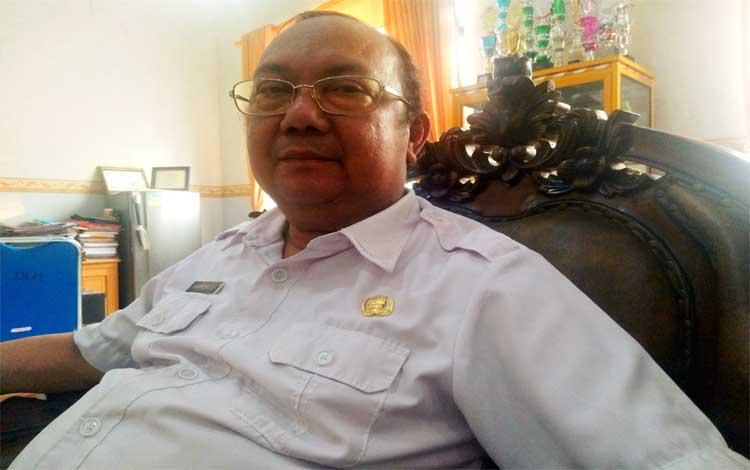 Kepala DLH Pulang Pisau, Wartony membeberkan bahwa pihaknya akan membeli truk sampah, amrol dan kontainer pada 2020, Rabu 6 November 2019