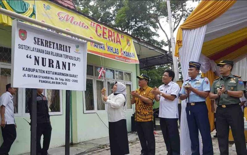 Bupati Nurhidayah meresmikan Sistem Layanan Rujukan Terpadu Nurani di Dinas Sosial Kotawaringin Barat, Rabu, 6 November 2019.
