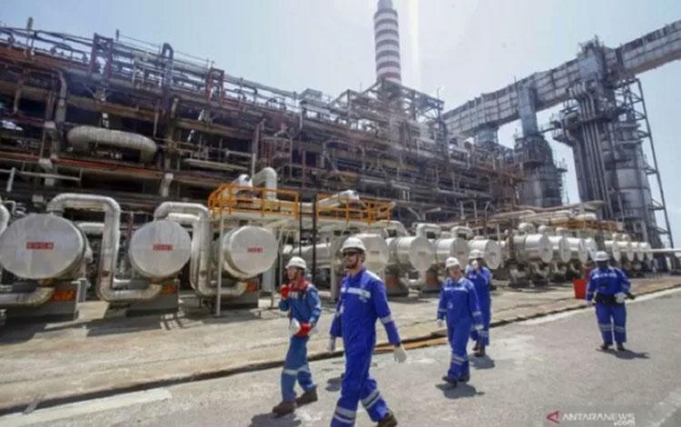 Ilustrasi kilang minyak. (foto : ANTARA)