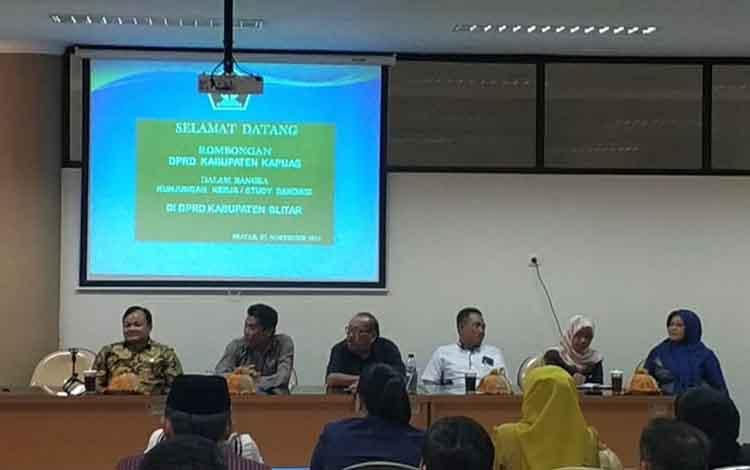 Anggota Banmus DPRD Kapuas kunjungan kerja ke DPRD Blitar untuk pelajari mekanisme proses penyusunan jadwal dewan