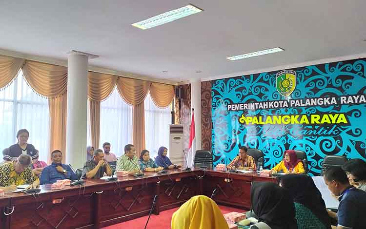 Pertemuan Pedagang Pasar Flamboyan Atas dengan Pemerintah Kota Palangka Raya, Jumat, 8 November 2019. Para penyewa Ruko Flamboyan atas ini meminta keadilan kepada pemerintah daerah