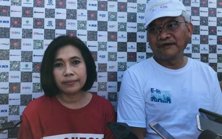 Anggota Komisi XI DPR RI Indah Kurnia dan Kepala Perwakilan Bank Indonesia Jawa Timur Difi Ahmad Joh