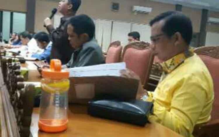 Rapat paripuran di DPRD Kotim.