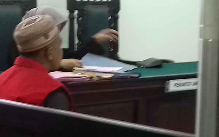 Terdakwa sabu Har alias Ko di Pengadilan Negeri Sampit.