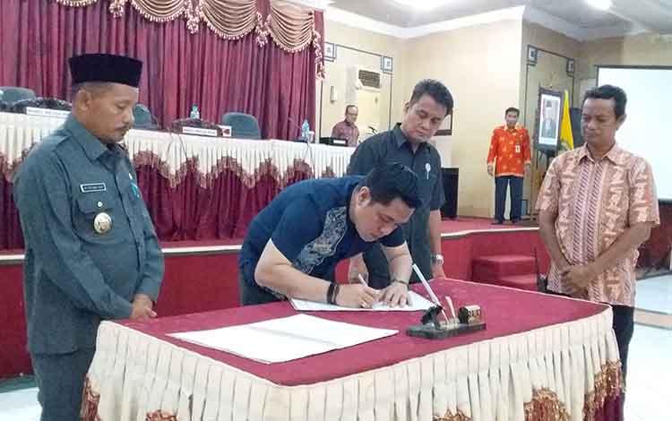 Penetapan Program Legislasi Daerah (Prolegda) Kabupaten Barito Timur 2020. DPRD Barito Timur optimistis bisa menuntaskan pembahasan 17 Raperda