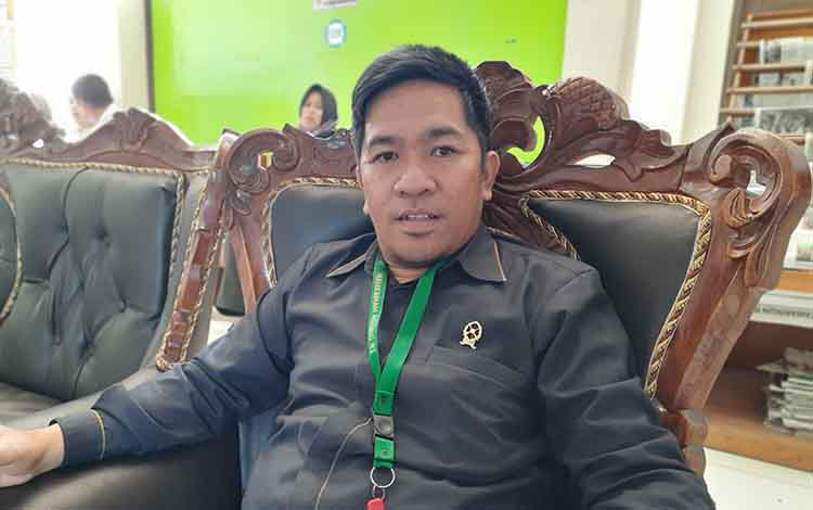 Humas Pengadilan Negeri Tamian Layang, Helka Rerung menjelaskan sidang gugatan perdata antara PT BNJM dengan PT SEM terjadi dissenting opinion