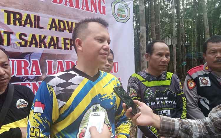 Bupati Gunung Mas, Jaya S Monong menyampaikan event Trail Adventure Nukat Sakelapah 3 merupakan salah satu ajang untuk mempromosikan lokasi wisata Taman Hutan Raya (Tahura) Lapak Jaru