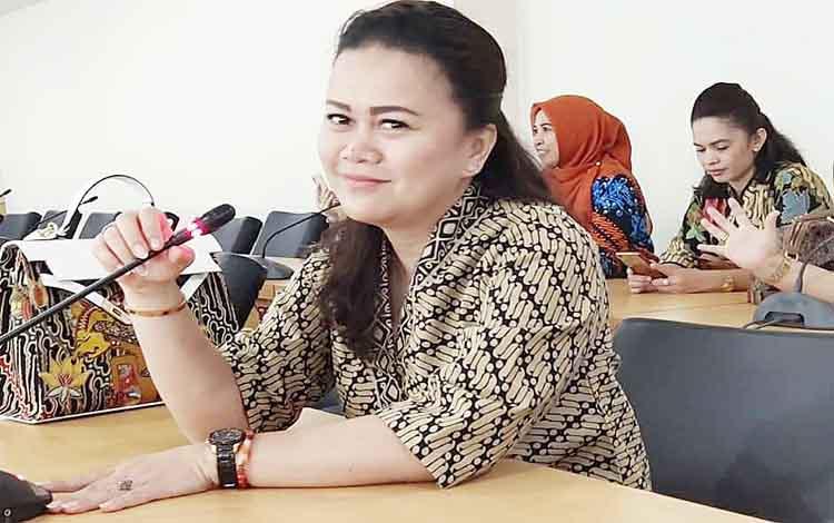 Wakil Ketua II Komisi C DPRD Kota Palangka Raya, Shopie Ariany Sitorus berharap Pemko mampu mengedepankan bidang pendidikan bagi masyarakat