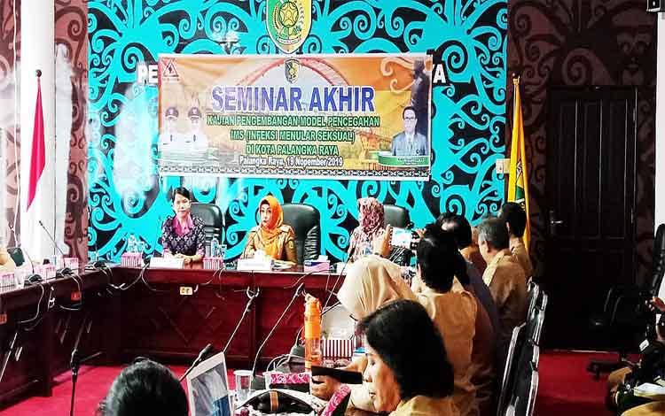 Badan Litbang Kota Palangka Raya mengadakan seminar akhir kajian pengembangan model pencegahan infeksi menular seksual