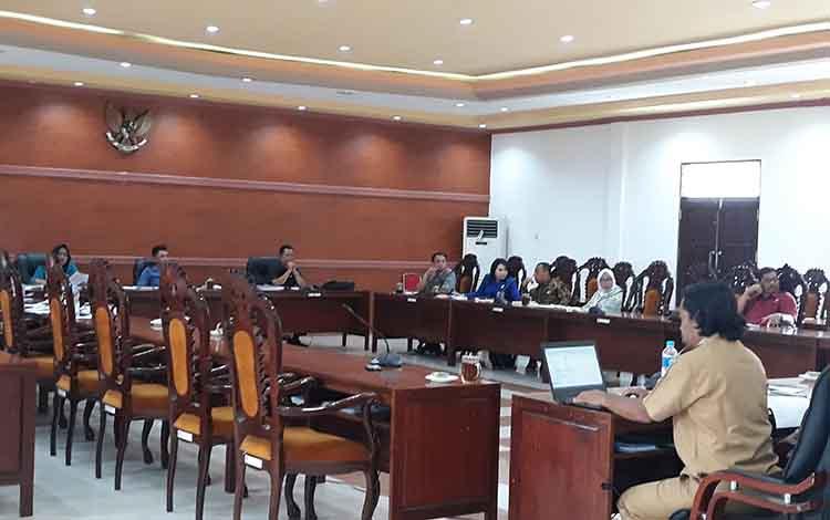 Suasana pembahasan KUA PPAS 2020 antara Komisi III DPRD Kapuas dan mitra kerja, Selasa, 19 November 2019