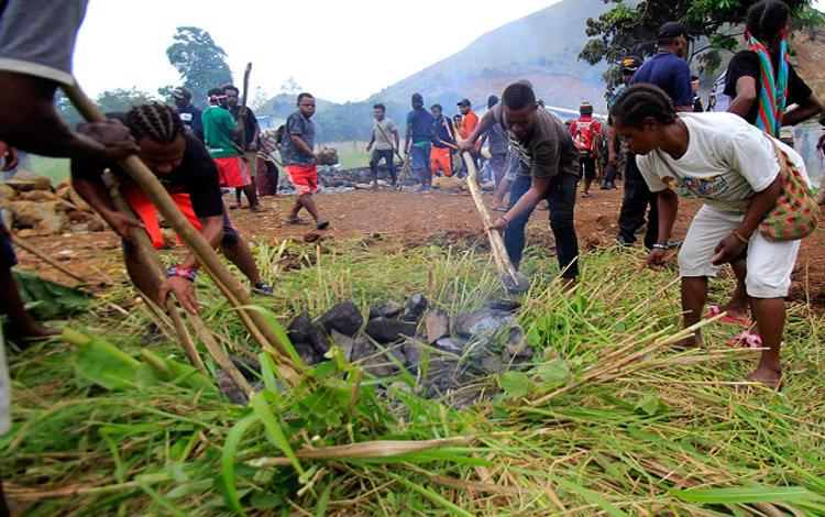 Aktivitas warga di Papua. (foto : istimewa)