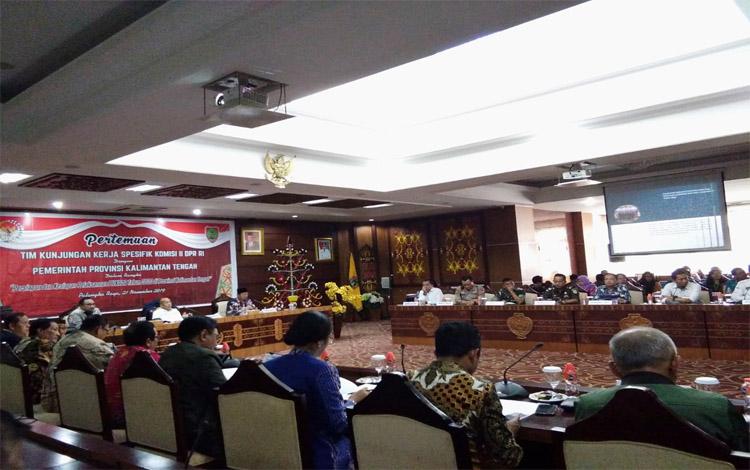 Pemprov Kalteng bersama Komisi II DPR RI membahas kesiapan Pilkada 2020