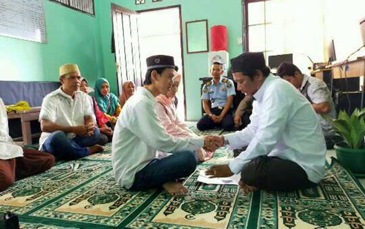 AS, terdakwa kasus asusila saat menikahi korban di Lapas Sampit.